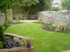 Wollstonecraft small landscape gardens